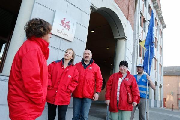 Les fonctionnaires en grève: plusieurs piquets en Wallonie
