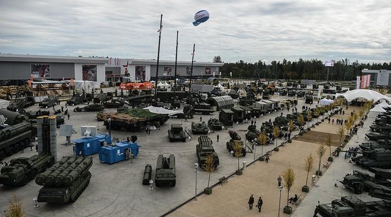 «La Russie n'engagera jamais une course aux armements», dit le porte-parole du Kremlin à RT