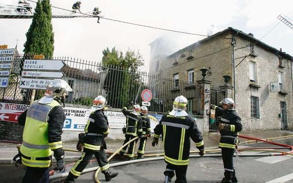 Ruffec (16): Le feu en plein centre-ville