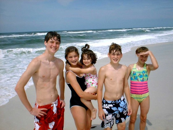 How to Have Fun at the Beach with Your Kids