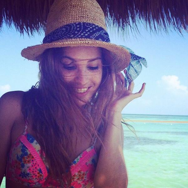 """Cande Molfese on Instagram: """"Gracias por todo República Dominicana fueron días hermososssss ! Seguimos #ViolettaLive"""""""