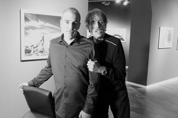 """Les photographes Jaume Riba et Àlex Tena ont ouvert l'exposition de photographies en noir et blanc """"Madriu 8.8"""" dans la salle d'exposition du gouvernement d'Andorre ARTALROC   A..."""