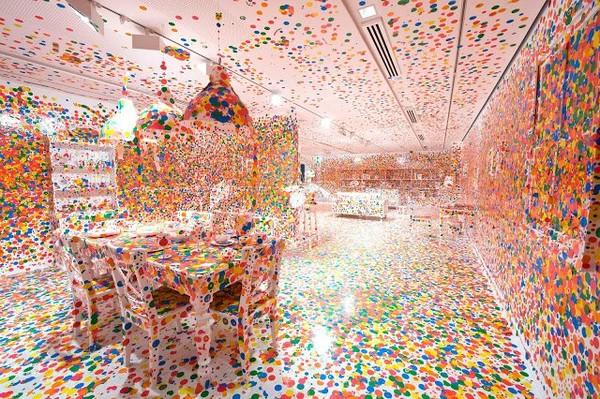 Exposition Art Blog: The fantastical world of Yayoi Kusama