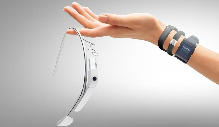 A Futuristic Look at Wearable Technology - CrowdReviews.com Blog