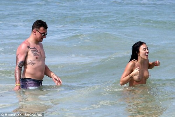 Johnny Manziel larks about with Bre Tiesi in Mexico | Daily Mail Online