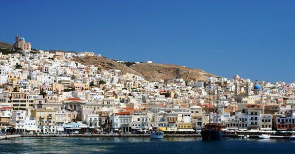 "Artivist e-magazine | ""I Want Syros To Be A Candidate City for the 2021 European Capital of Culture Title"""
