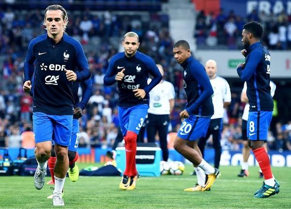 Instagram post by Equipe de France de Football • Sep 3, 2017 at 6:31pm UTC