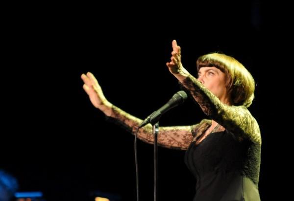 Foto: Šarmantās Mireijas Matjē koncerts Rīgā