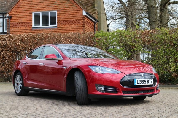 Tesla outsells Mercedes S-Class and Porsche Panamera