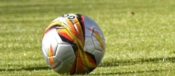 Excédée par les matchs à côté de chez elle, elle vole 186 ballons
