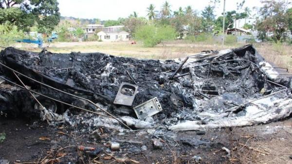 Mayotte : Des habitants excédés incendient les repaires de délinquants sur le parking DISMA 2 à Kaweni - mayotte 1ère