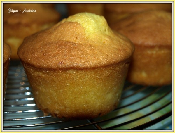 QUATRE QUART A L'ORANGE FAÇON MUFFINS.