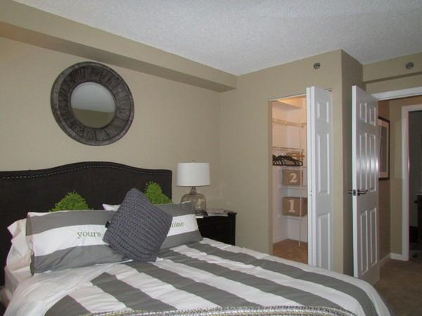 Splendid 101 Ellwood Apartment Exterior Design