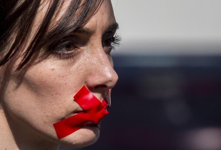 Jean Bricmont : comité de censure et logique totalitariste derrière la lutte contre les «fake news»