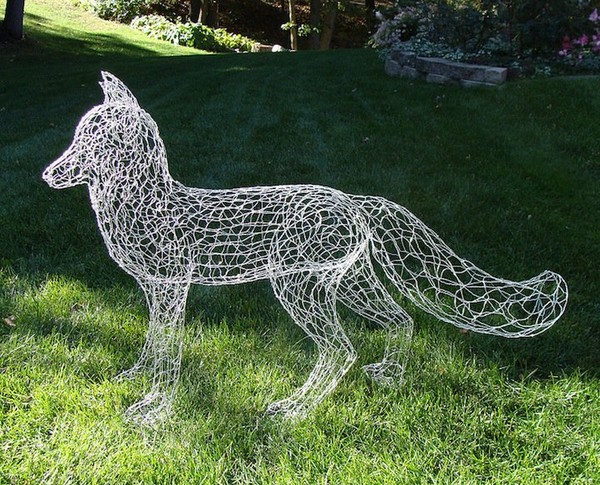Extremely cute soldering wire sculpture - NICE PLACE TO VISIT