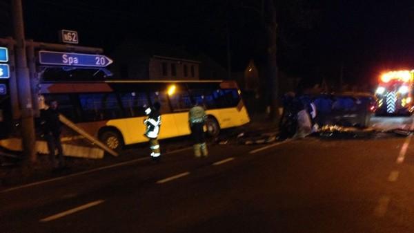 Accident de bus à Sprimont: 5 blessés dont deux atteints grièvement - RTBF Regions