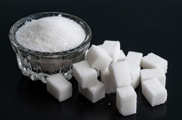 Manger trop de sucre : la mauvaise habitude qui abîme votre foie... et votre coeur !