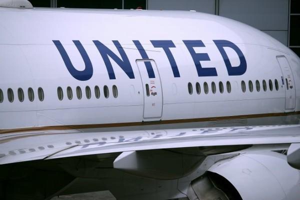 Bloqués plus de 16 heures à bord d'un avion dérouté au Canada