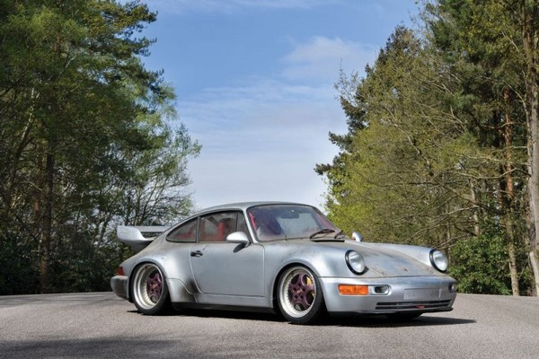 Six-Mile 1993 Porsche 911 Carrera sold out for a big money