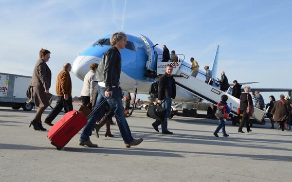 Coincés dans les Caraïbes, 256 Belges passent le réveillon dans l'avion