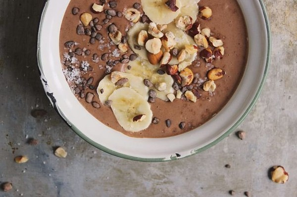 Manage Your PMS And Relieve Pain With This Delicious Chocolate Smoothie - Healthy Food Society