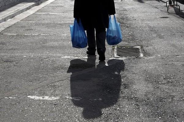 En France, le discours anti-pauvres se banalise