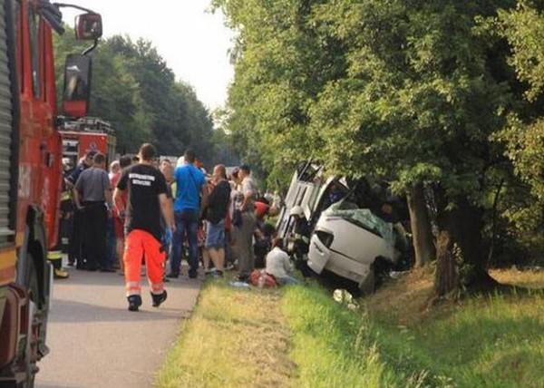 Pologne : Un grave accident d'autocar fait 5 morts et 27 blessés