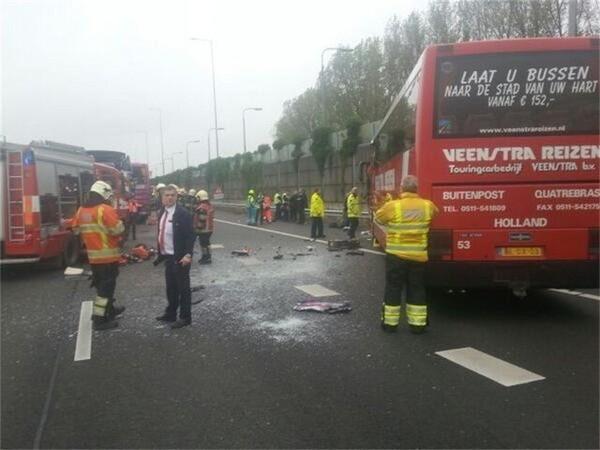 30 gewonden bij busongeval in Nederland