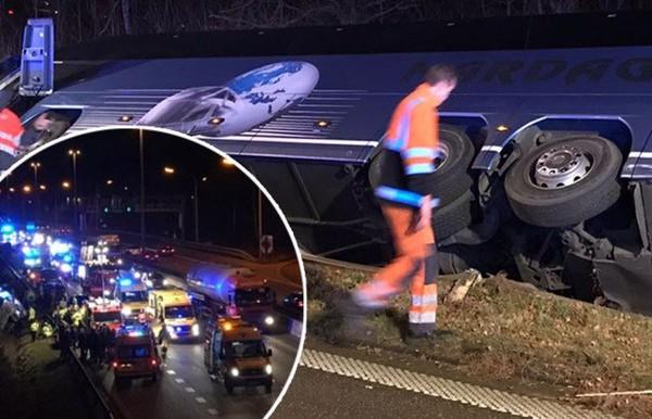 Zwaar ongeval met bus op E313: dertien gewonden naar ziekenhuis