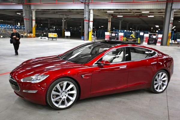 Someone trying to harm Tesla with fake claims?