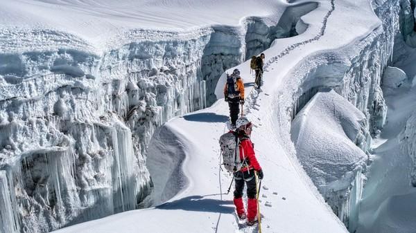 Island Peak Climbing with EBC Trek, Island Peak Climbing cost, Imja Tse