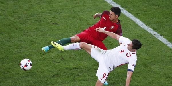 Regardez les buts dePologne - Portugal