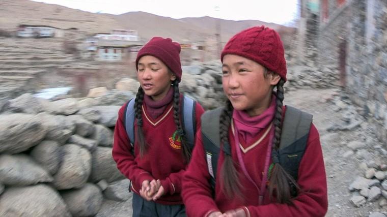 Ladakh, adieu à l'enfance - Regarder le documentaire complet   ARTE