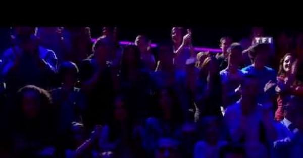 Phoebe chante « Something Got a Hold on Me » de Christina Aguilera_1280x720.mp4