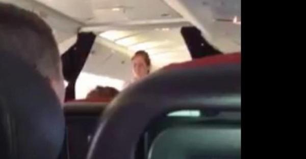 L'atterrissage d'urgence de l'avion Virgin de ce lundi à Londres vu de l'intérieur et de l'extérieur (vidéos)