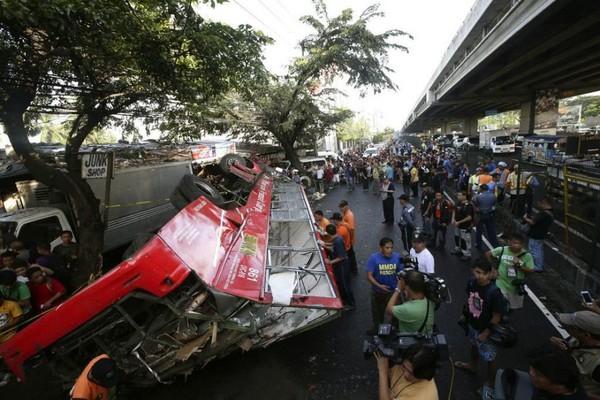 Drame de la route aux Philippines: au moins 22 morts