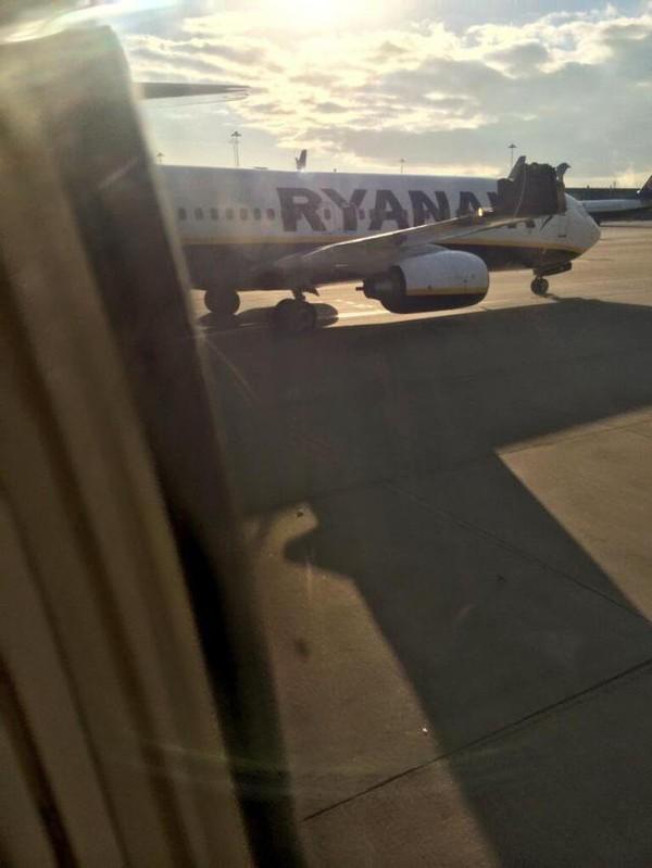 Un avion de Ryanair heurte l'aile d'un autre appareil au sol