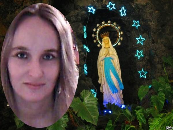 Résultat du montage photo : Virgen de Lourdes - Pixiz