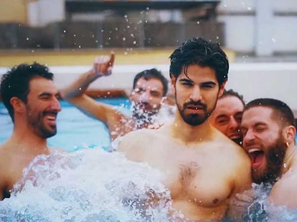 """""""Be Heterofriendly"""" : le clip décalé d'une chaîne d'hôtels barcelonaise"""