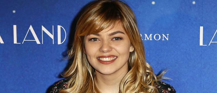 La chanteuse Louane sera bientôt connue à l'international... (PHOTO)