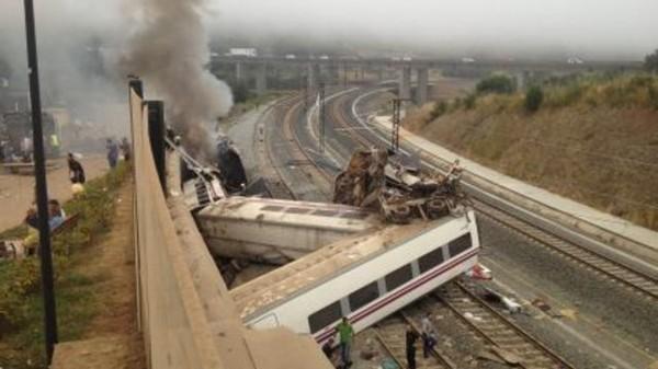 Choc et angoisse après l'accident de train en Espagne