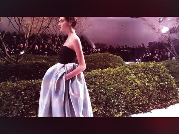 Stunning Show #DiorHauteCouture Congrats #RafSimons -very #Modern&Cool