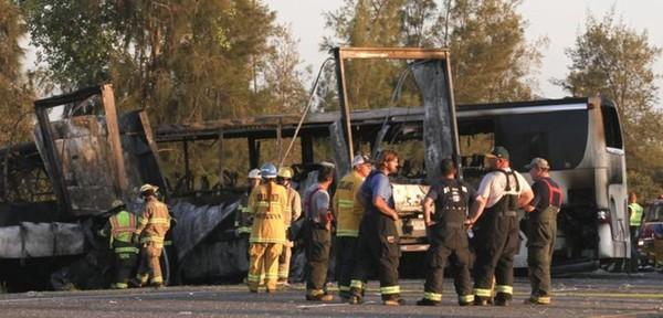 Dix morts dans un accident de la route