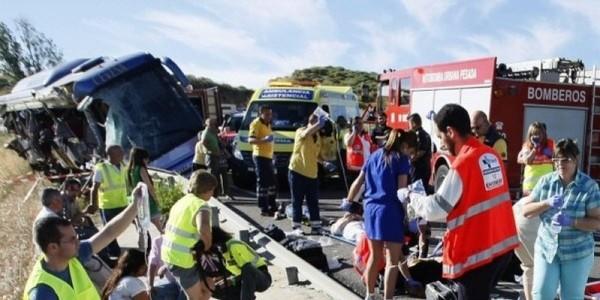Neuf morts et vingt blessés dans un accident de car en Espagne - SudOuest.fr