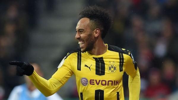 Dekatnya Aubameyang Dengan Rekor Gol Dortmund