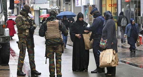 تطبيق حالة الطوارئ في فرنسا وسيناء: أوجه الشبه والاختلاف | نون بوست