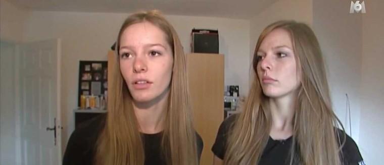 Miss France 2018 : Les images surprenantes de Maëva Coucke et de sa soeur jumelle lors d'un concours de beauté en 2011 (VIDEO) - actu - Télé 2 semaines
