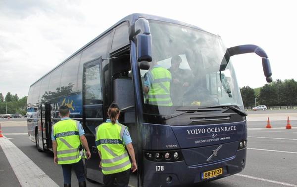 Houdan - Rosny-sur-Seine : des chauffeurs de bus sous contrôle