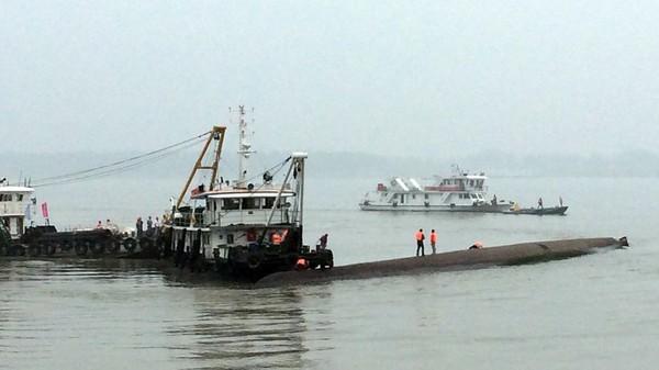 Chine: un navire de croisière coule dans le Yangtsé avec 450 personnes à bord