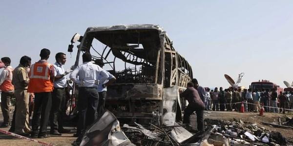 20 minutes - 44 morts dans un accident de bus - Monde